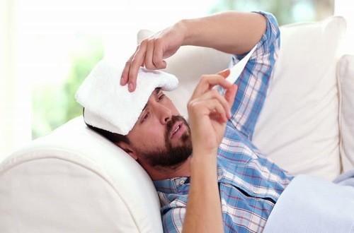 Người bệnh quai bị thường có dấu hiệu sốt