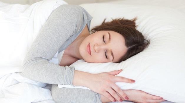 Mẹ bầu cần giữ tinh thần thoải mái, lạc quan, có chế độ nghỉ ngơi dinh dưỡng khoa học