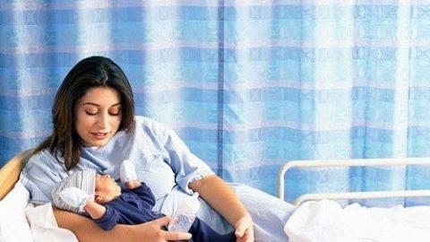 Chăm sóc mẹ sau sinh mổ giúp sản phụ nhanh hồi phục hơn