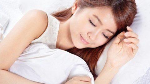 Ngủ nghiêng về bên phải gây tổn hại sức khỏe
