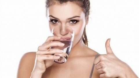 Điều kì diệu từ việc uống nước khi đói
