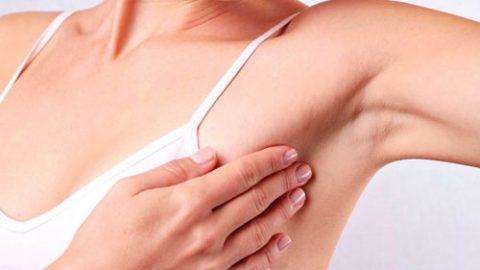 Độ tuổi nào dễ mắc ung thư vú?