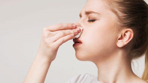 Niêm mạc mũi bị chảy máu do đâu?