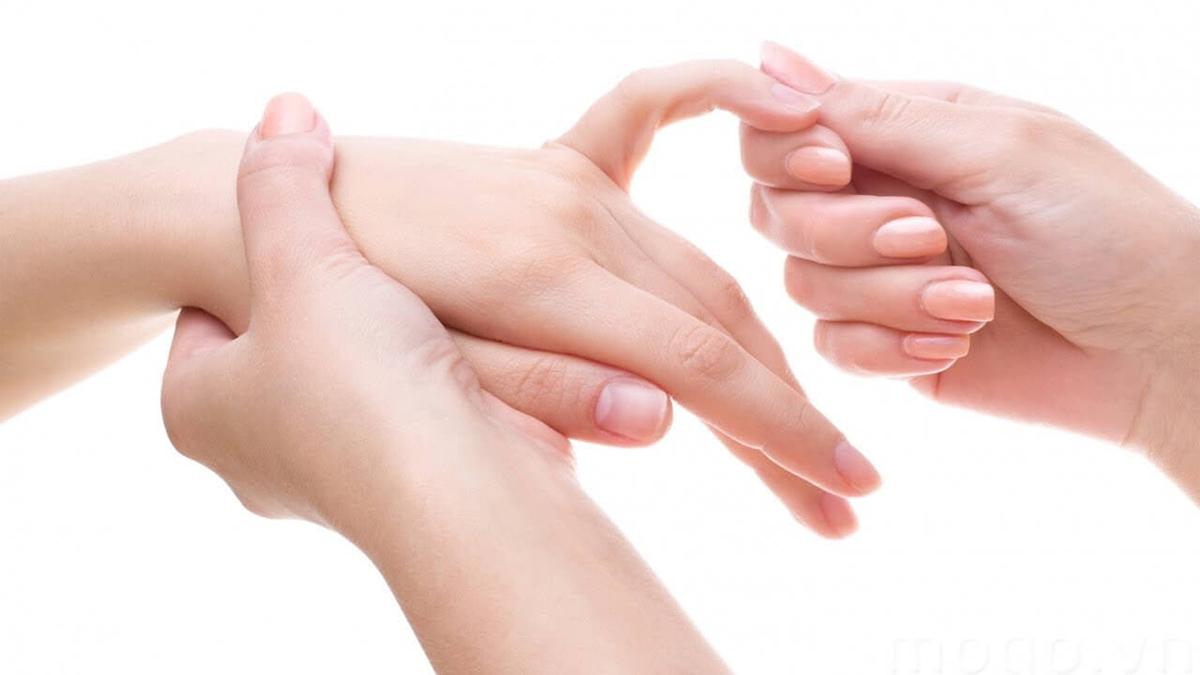 Ngón tay bị sưng và ngứa là bệnh gì?