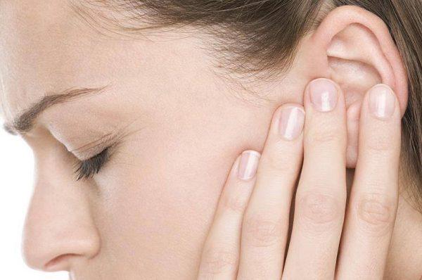 Bệnh viêm tai giữa bị chảy máu có thể là dấu hiệu nguy hiểm cần được điều trị kịp thời hiệu quả càng sớm càng tốt