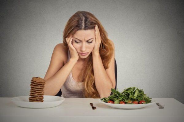 đau ruột thừa bên nào, triệu chứng là gì