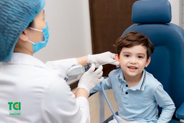Các bệnh lý tai mũi họng ở trẻ em nếu được phát hiện sớm và điều trị kịp thời, hoàn toàn có thể chữa khỏi và không để lại những biến chứng nguy hại. Phòng khám Tai mũi họng Thu Cúc là một trong những địa chỉ khám uy tín số 1 tại Hà Nội được nhiều bậc phụ huynh tin tưởng và lựa chọn.