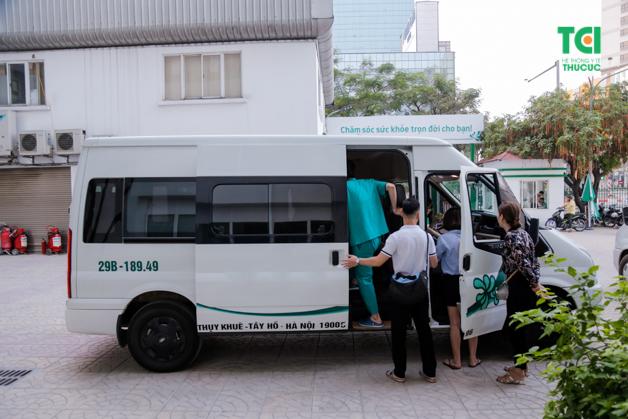 Xe lưu động của Bệnh viện ĐKQT Thu Cúc khám sức khỏe Ecoba ngoại viện