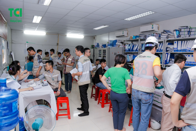 Quy trình khám sức khỏe ngoại viện được nhân viên y tế của bệnh viện ĐKQT Thu Cúc thực hiện rất khoa học