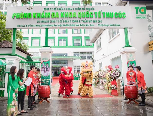 Ngày 29/03, Bệnh viện Đa khoa Quốc tế Thu Cúc khai trương Phòng khám Đa khoa Quốc tế Thu Cúc tại 216 Trần Duy Hưng, Cầu Giấy, Hà Nội. Đây là địa điểm khám chữa bệnh được hàng ngàn người dân thủ đô và các tỉnh lân cận tin tưởng, lựa chọn hiện nay.
