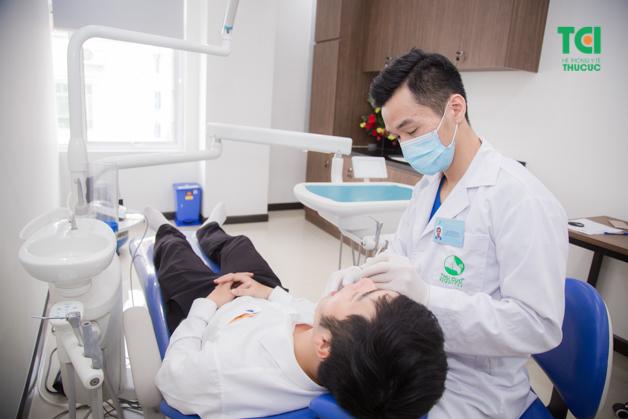 Khám răng - hàm - mặt là bước khám cơ bản đầu tiên mà người lao động được khám