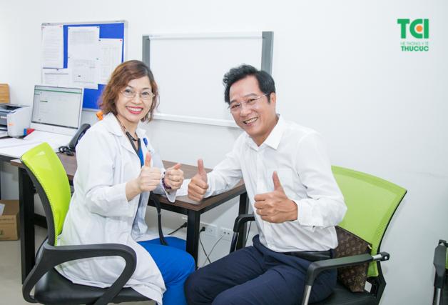 Kết quả thăm khám của NSND Trọng Trinh hết sức bình thường và nam nghệ sĩ đánh giá khám sức khỏe ở Thu Cúc là tuyệt vời nhất!