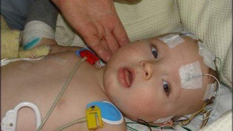 Viêm màng não ở trẻ em có nguy hiểm không?