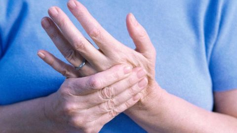 Giải mã: Bị tê bì chân tay là bệnh gì?