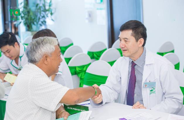 Tham vấn bác sĩ để có biện pháp điều trị và phòng ngừa sỏi thận