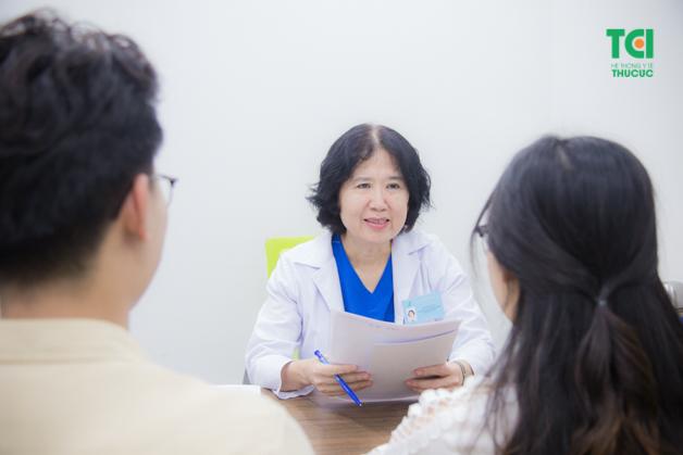 Đội ngũ bác sĩ giỏi, giàu chuyên môn luôn tư vấn thăm khám rất tận tình