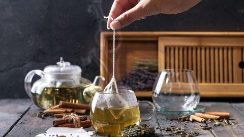 Bị sỏi thận có nên uống trà hay không?