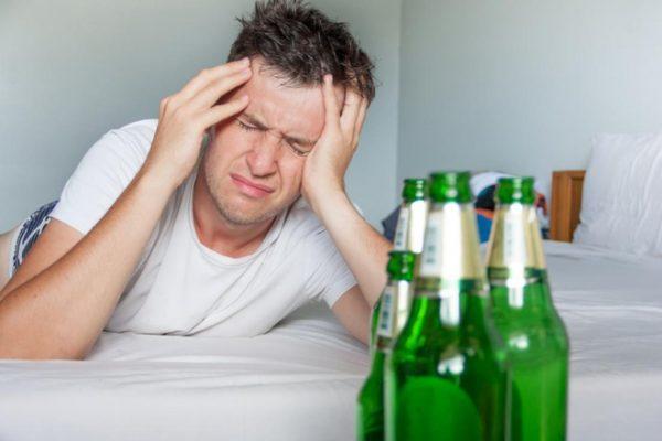 Nguyên nhân đau đầu khi say rượu