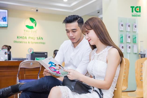 Khám sức khỏe trước khi kết hôn bao gồm khám sức khỏe tổng thể và khám sức khỏe sinh sản.
