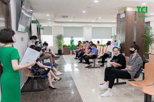 Giấy khám sức khỏe là thủ tục bắt buộc chung cho những người nước ngoài muốn làm việc tại Việt Nam