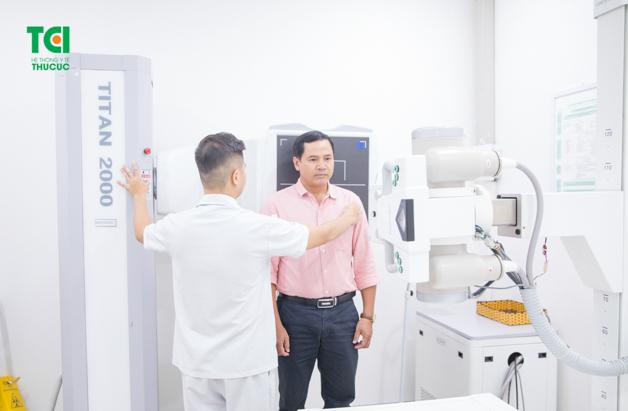 Đau lưng gây nhiều ảnh hưởng tiêu cực đến sức khỏe con người