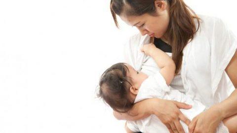 Trẻ sơ sinh bị tiêu chảy nên ăn gì để con mau khỏi?