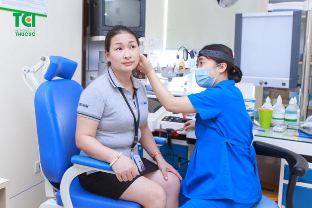 Khám tai - mũi - họng là chỉ định cần thiết khi doanh nghiệp tổ chức khám sức khỏe định kỳ