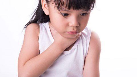 Sai lầm cần bỏ khi xử trí hóc dị vật đường thở ở trẻ em
