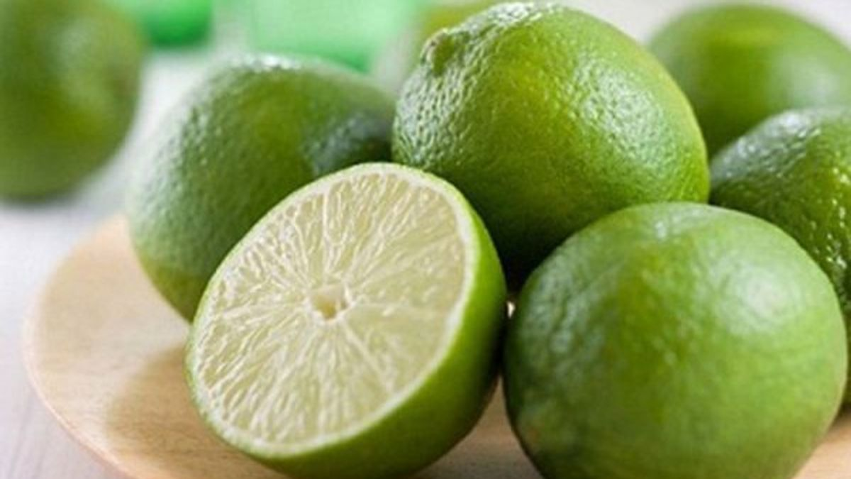 Mách bạn 5 lợi ích tuyệt vời khi uống nước chanh nóng