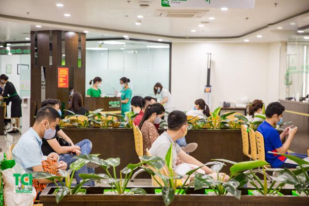 Để chuẩn bị sức khỏe tốt nhất khi quay lại với công việc sau khi hết giãn cách xã hội, nhiều người đã tìm tới Bệnh viện Thu Cúc để thăm khám.