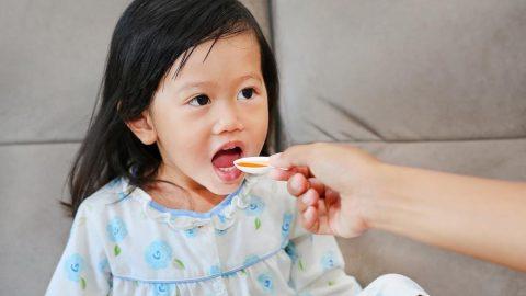 Trẻ bị tiêu chảy uống men tiêu hóa: đúng hay sai?