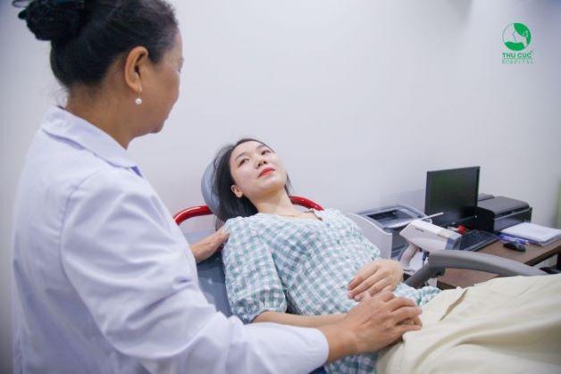 Khám phụ khoa định kỳ để phát hiện các dị tật trong các cơ quan sinh dục, các bệnh viêm khoang chậu, viêm vòi trứng… (nếu có).
