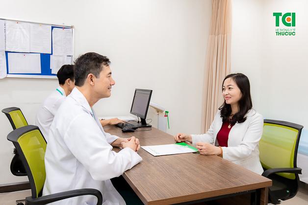 Người bệnh nên lựa chọn tán sỏi ngược dòng bằng laser tại các cơ sở y tế uy tín, thăm khám cụ thể với bác sĩ chuyên khoa.