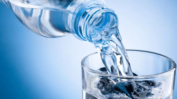 Uống nhiều nước sẽ ngăn chặn tái phát sau khi chữa sỏi tiết niệu