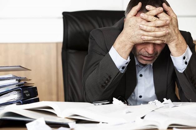 Căng thẳng có thể gây đau ỏ nửa đầu bên phải.