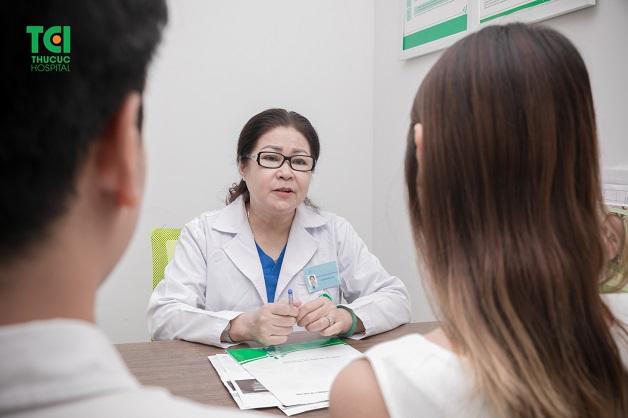 Để biết nhân xơ tử cung khi mang thai có nguy hiểm không, mọi người nên tới bệnh viện để được bác sĩ tư vấn