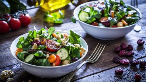 10 món ăn chữa bệnh đau đầu hiệu quả mà bạn cần biết