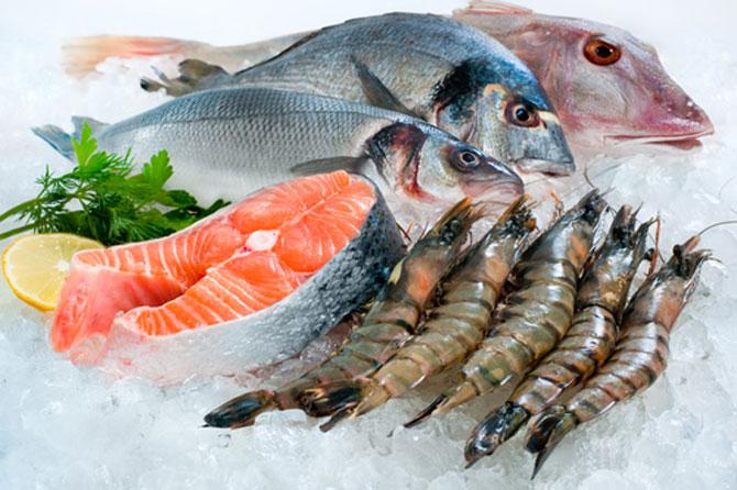 Cá hồi, tôm là loại hải sản bổ dưỡng cho phụ nữ sau sinh mổ