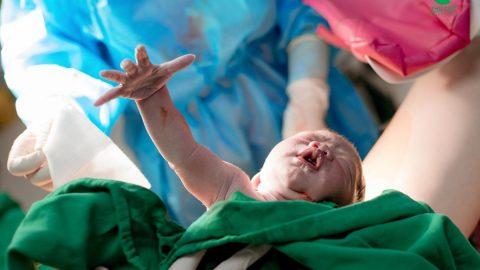 Mẹ bầu cần biết: Sinh non bao nhiêu tuần thì an toàn