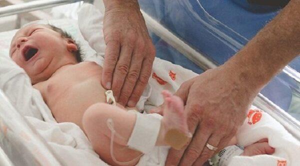 thoát vị bẹn nghẹt trẻ sơ sinh