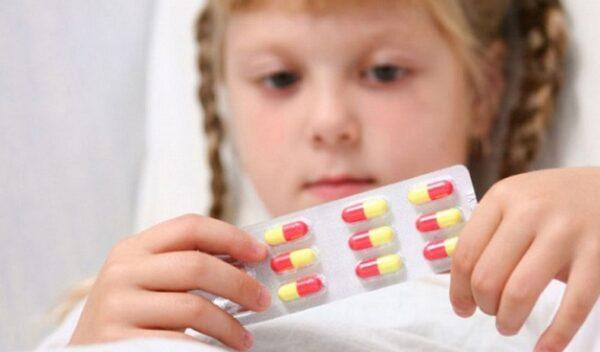 Kháng sinh là phác đồ đầu tay trong điều trị viêm tiết niệu ở trẻ nhỏ
