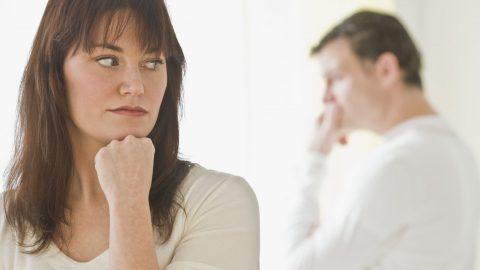 Giải đáp thắc mắc: Chồng yếu sinh lý vợ nên làm gì?