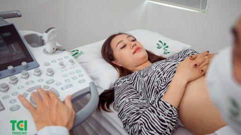 Dư ối khi mang thai: Nguyên nhân và cách khắc phục