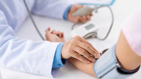 Tăng huyết áp đột ngộtcó nguy hiểm không? Cách xử trí như thế nào?