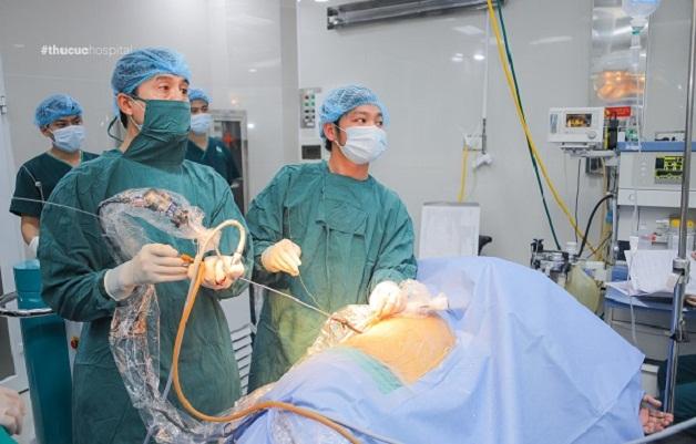 Nội soi hông lưng lấy sỏi là phương pháp điều trị có hiệu quả cao, hết sỏi sau một lần mổ