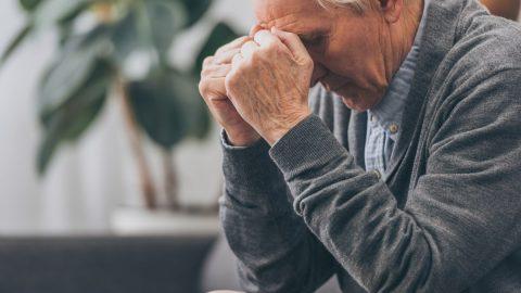 Biểu hiện sa sút trí tuệ ở người già qua từng giai đoạn