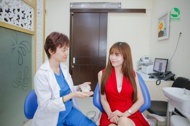 Bạn cần tuân thủ theo lời khuyên, lịch khám của bác sĩ để việc niềng răng đạt hiệu quả cao