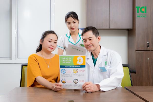 Chỉ định phẫu thuật tạo hình niệu quản căn cứ vào các xét nghiệm lâm sàng và cận lâm sàng