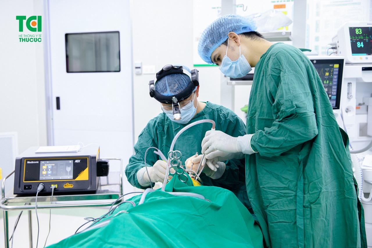 Hình ảnh tại một ca phẫu thuật nạo VA tại BV ĐKQT Thu Cúc