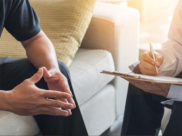 Sau khi cắt bao quy đầu, bệnh nhân nên đi tái khám theo đúng lịch đã hẹn.